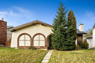 Photo 2: 2628 106 Avenue SW in Calgary: Cedarbrae Detached for sale : MLS®# A1153154