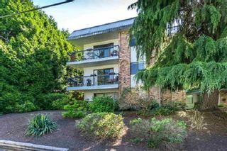 "Photo 1: 105 1544 FIR Street: White Rock Condo for sale in ""JUNIPER ARMS"" (South Surrey White Rock)  : MLS®# R2363997"
