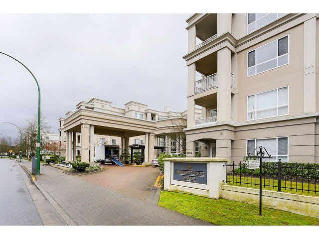 Main Photo: 226 3098 GUILDFORD Way in Coquitlam: North Coquitlam Condo for sale : MLS®# V1103798