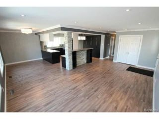 Photo 8: 911 Vimy Road in WINNIPEG: Westwood / Crestview Residential for sale (West Winnipeg)  : MLS®# 1508235