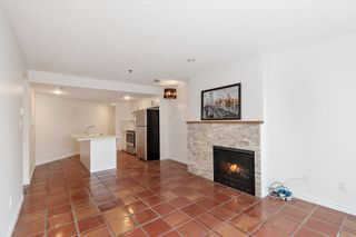 """Photo 6: 311 1988 MAPLE Street in Vancouver: Kitsilano Condo for sale in """"THE MAPLES"""" (Vancouver West)  : MLS®# R2497159"""