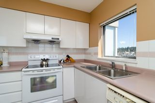 """Photo 5: 1405 9623 MANCHESTER Drive in Burnaby: Cariboo Condo for sale in """"STRATHMORE TOWERS"""" (Burnaby North)  : MLS®# V1053890"""