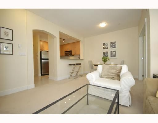 """Photo 4: Photos: 108 4885 VALLEY Drive in Vancouver: Quilchena Condo for sale in """"MACLURE HOUSE"""" (Vancouver West)  : MLS®# V698449"""