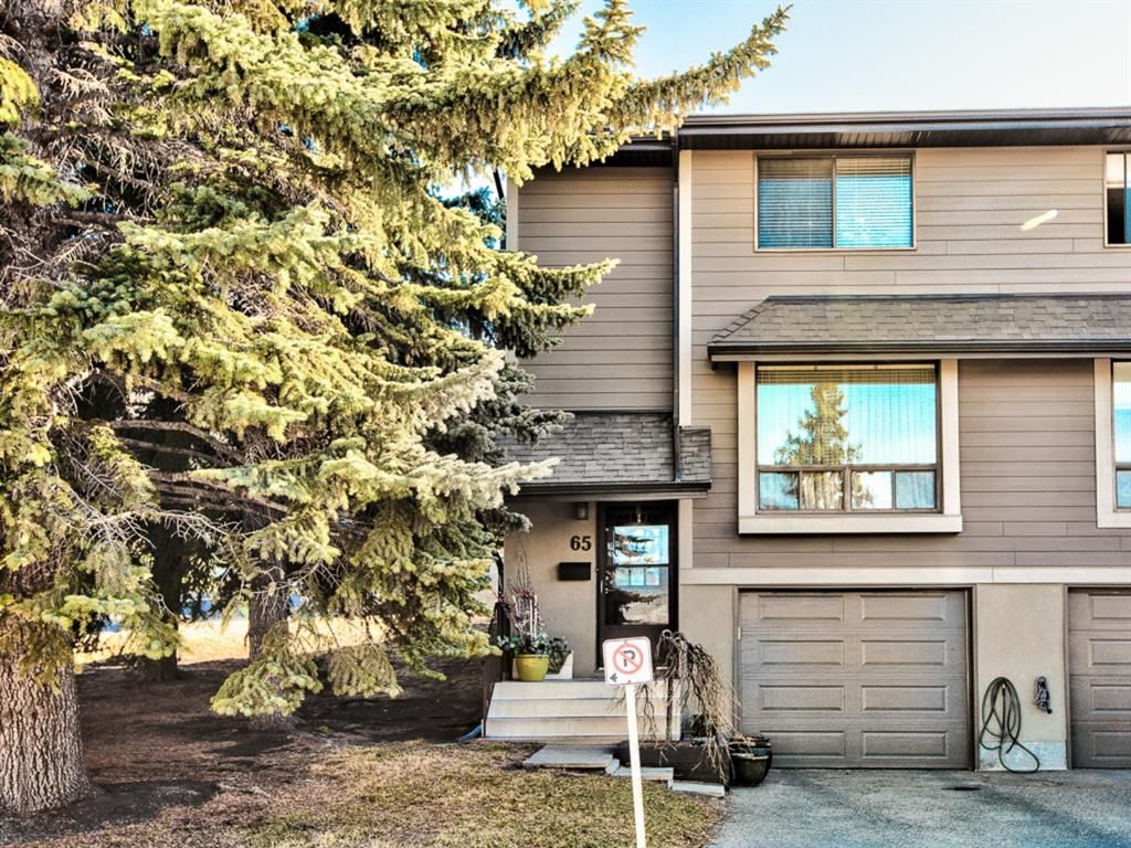 Main Photo: 65 5019 46 Avenue SW in Calgary: Glamorgan Row/Townhouse for sale : MLS®# A1094724