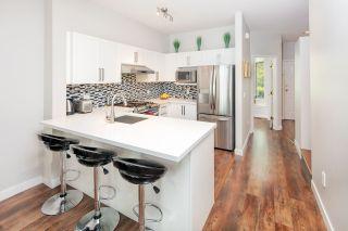 Photo 2: 32 6331 NO. 1 Road in Richmond: Terra Nova Townhouse for sale : MLS®# R2372214