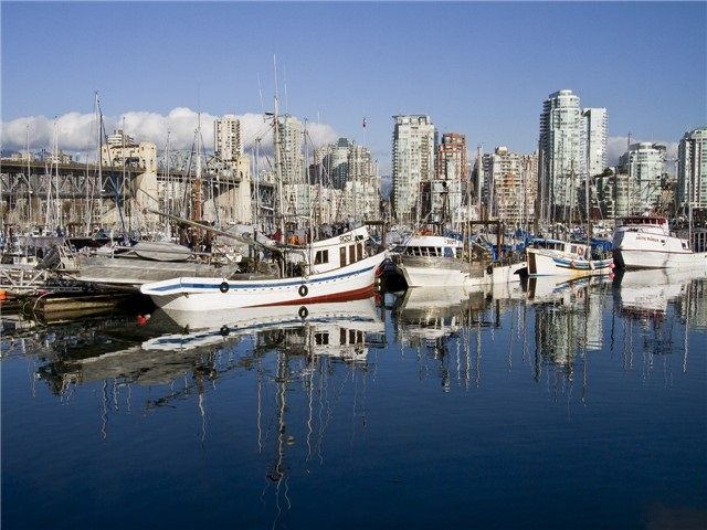 FEATURED LISTING: 305 - 1510 1ST Avenue West Vancouver