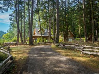 Photo 2: 9912 Spalding Rd in : GI Pender Island House for sale (Gulf Islands)  : MLS®# 887396