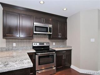 Photo 7: 105 982 Rattanwood Pl in VICTORIA: La Happy Valley Row/Townhouse for sale (Langford)  : MLS®# 625869