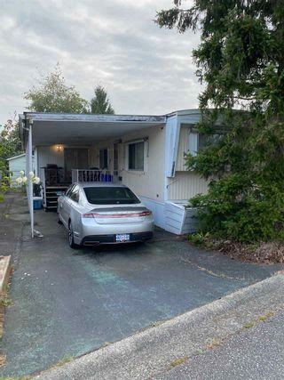 Photo 1: 15882 NORFOLK Street in Surrey: King George Corridor Manufactured Home for sale (South Surrey White Rock)  : MLS®# R2497793
