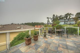 Photo 12: 9 300 Plaskett Pl in VICTORIA: Es Saxe Point House for sale (Esquimalt)  : MLS®# 784553