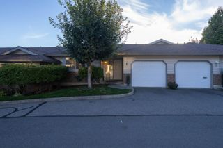 """Main Photo: 27 2023 WINFIELD Drive in Abbotsford: Abbotsford East Townhouse for sale in """"Meadow View"""" : MLS®# R2619608"""