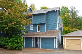 """Photo 36: 33 9000 ASH GROVE Crescent in Burnaby: Forest Hills BN Townhouse for sale in """"Ashbrook Place"""" (Burnaby North)  : MLS®# R2622662"""