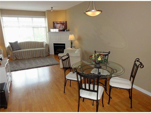 """Photo 3: Photos: # 2 6588 188TH ST in Surrey: Cloverdale BC Townhouse for sale in """"Hillcrest Place"""" (Cloverdale)  : MLS®# F1321944"""