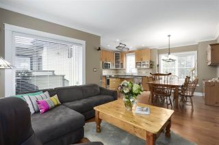 Photo 4: 1163 HAROLD Road in North Vancouver: Lynn Valley 1/2 Duplex for sale : MLS®# R2419503