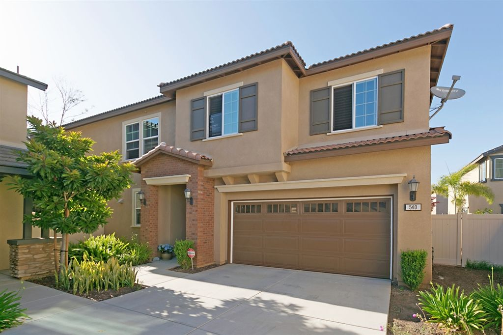 Main Photo: SAN MARCOS House for sale : 3 bedrooms : 540 Moonlight Drive