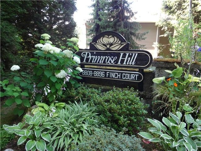 """Main Photo: 8840 FINCH Court in Burnaby: Forest Hills BN Townhouse for sale in """"PRIMROSE HILL"""" (Burnaby North)  : MLS®# V1075894"""