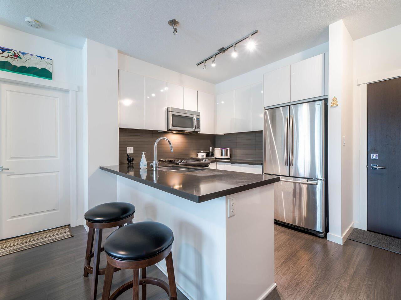 """Photo 2: Photos: 211 15168 33 Avenue in Surrey: Morgan Creek Condo for sale in """"ELGIN HOUSE"""" (South Surrey White Rock)  : MLS®# R2501383"""