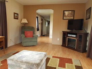 """Photo 6: 3 3031 200 Street in Langley: Brookswood Langley Manufactured Home for sale in """"Cedar Creek Estates"""" : MLS®# R2123592"""