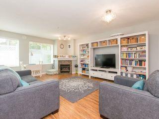 """Photo 3: 106 14885 100 Avenue in Surrey: Guildford Condo for sale in """"THE DORCHESTER"""" (North Surrey)  : MLS®# R2088062"""