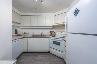 Photo 4: 1403 1238 MELVILLE Street in Vancouver: Coal Harbour Condo for sale (Vancouver West)  : MLS®# R2613356