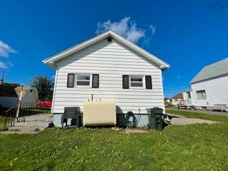 Photo 10: 2 Shaws Lane in Glace Bay: 203-Glace Bay Residential for sale (Cape Breton)  : MLS®# 202124672