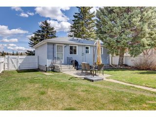 Main Photo: 4327 69 Street NW in Calgary: Bowness Detached for sale : MLS®# A1151503