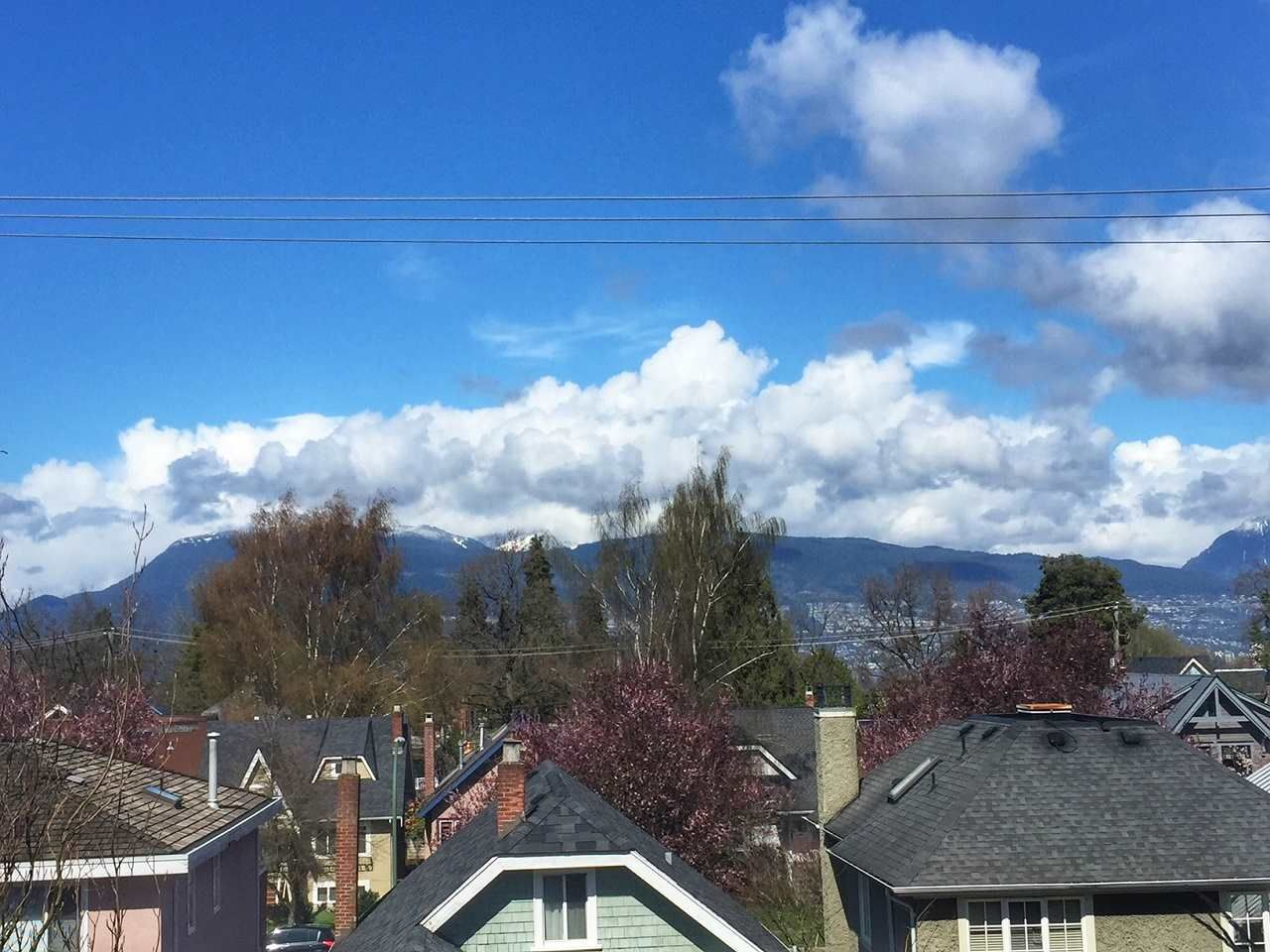 Main Photo: 206 4375 W 10TH Avenue in Vancouver: Point Grey Condo for sale (Vancouver West)  : MLS®# R2256755