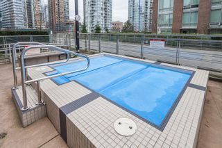 "Photo 18: 1502 565 SMITHE Street in Vancouver: Downtown VW Condo for sale in ""Vita"" (Vancouver West)  : MLS®# R2435057"