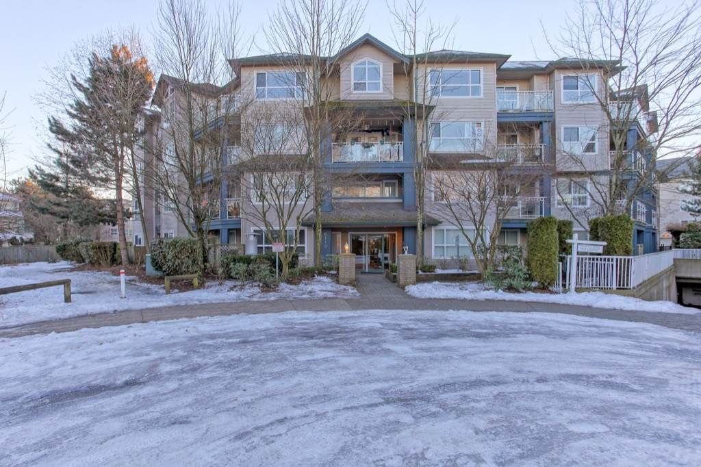 Main Photo: 314 8115 121A STREET in : Queen Mary Park Surrey Condo for sale : MLS®# R2130599