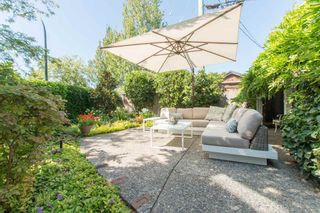 Photo 2: 2360 WATERLOO Street in Vancouver: Kitsilano 1/2 Duplex for sale (Vancouver West)  : MLS®# R2101486