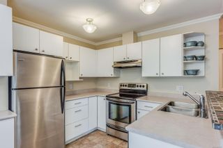 Photo 7: 102 1025 Meares St in Victoria: Vi Downtown Condo for sale : MLS®# 858477