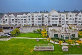 """Photo 3: 403 3142 ST JOHNS Street in Port Moody: Port Moody Centre Condo for sale in """"SONRISA"""" : MLS®# R2499050"""