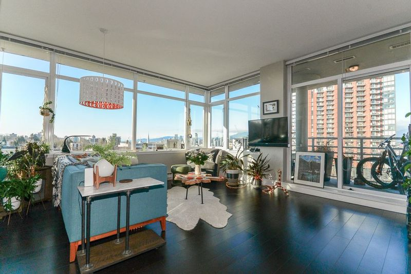 FEATURED LISTING: 604 - 298 11TH Avenue East Vancouver