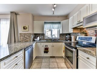 """Photo 12: 162 15501 89A Avenue in Surrey: Fleetwood Tynehead Townhouse for sale in """"AVONDALE"""" : MLS®# R2058419"""