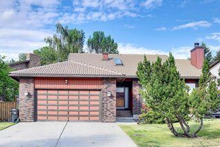 Photo 5: 27 Castlebury Way NE in Calgary: Castleridge Detached for sale : MLS®# A1124500