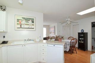 "Photo 7: 404 1618 GRANT Avenue in Port Coquitlam: Glenwood PQ Condo for sale in ""WEDGEWOOD MANOR"" : MLS®# R2356755"