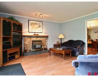 """Photo 4: 8139 151ST Street in Surrey: Bear Creek Green Timbers House for sale in """"MORNINGSIDE"""" : MLS®# F2812331"""