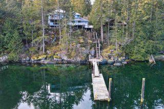 "Photo 2: 9858 WESCAN Road in Halfmoon Bay: Halfmn Bay Secret Cv Redroofs House for sale in ""Secret Cove"" (Sunshine Coast)  : MLS®# R2555031"