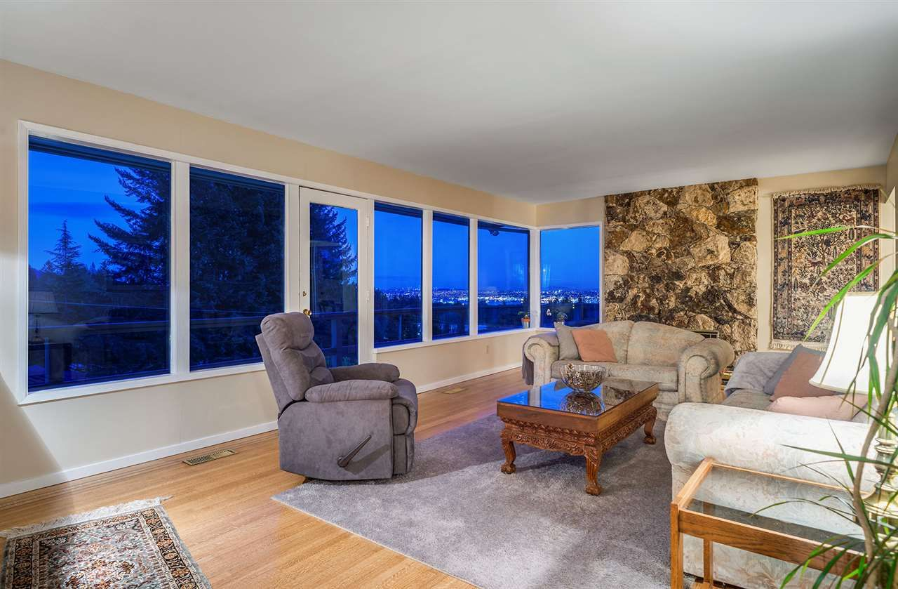 Photo 8: Photos: 89 Glenmore Drive in West Vancouver: Glenmore House for rent