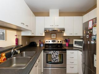 """Photo 10: 202 2355 W BROADWAY in Vancouver: Kitsilano Condo for sale in """"CONNAUGHT PARK PLACE"""" (Vancouver West)  : MLS®# R2464829"""