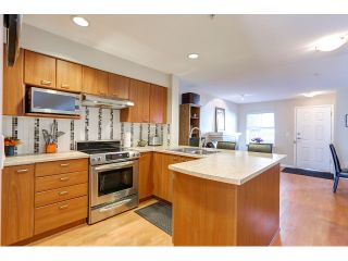 """Photo 5: 18 188 SIXTH Street in New Westminster: Uptown NW Townhouse for sale in """"ROYAL CITY TERRACE"""" : MLS®# R2038305"""