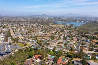 Photo 23: House for sale : 4 bedrooms : 6589 Bluefield Place in San Diego