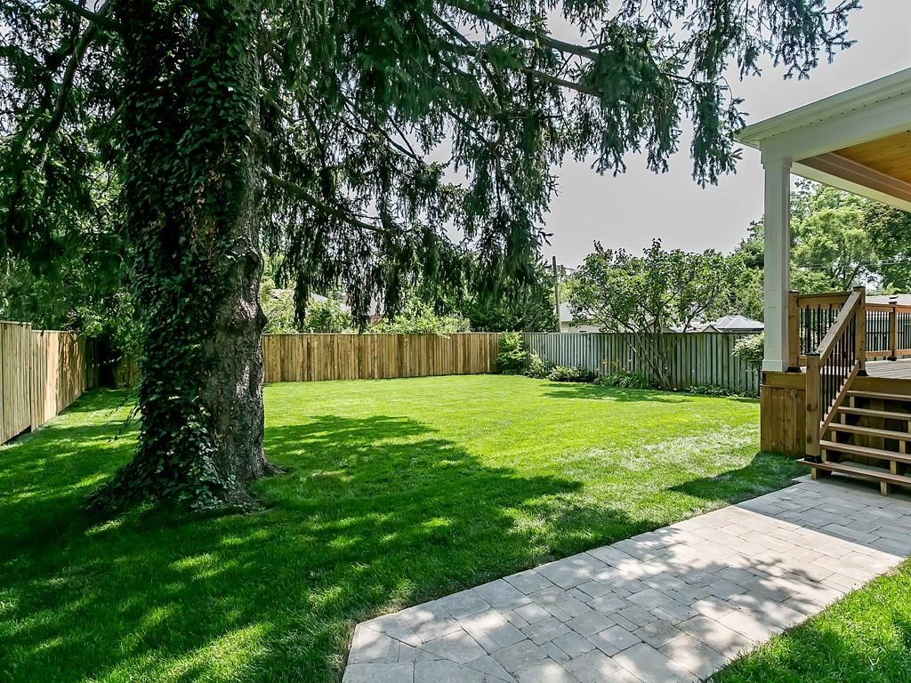Photo 30: Photos: 2226 COURTLAND Drive in Burlington: Residential for sale : MLS®# H4062761
