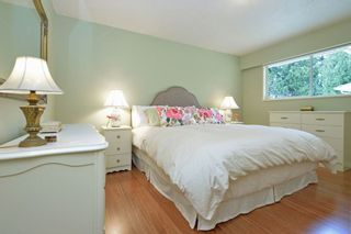"""Photo 12: 914 RUNNYMEDE Avenue in Coquitlam: Coquitlam West House for sale in """"COQUITLAM WEST"""" : MLS®# R2032376"""