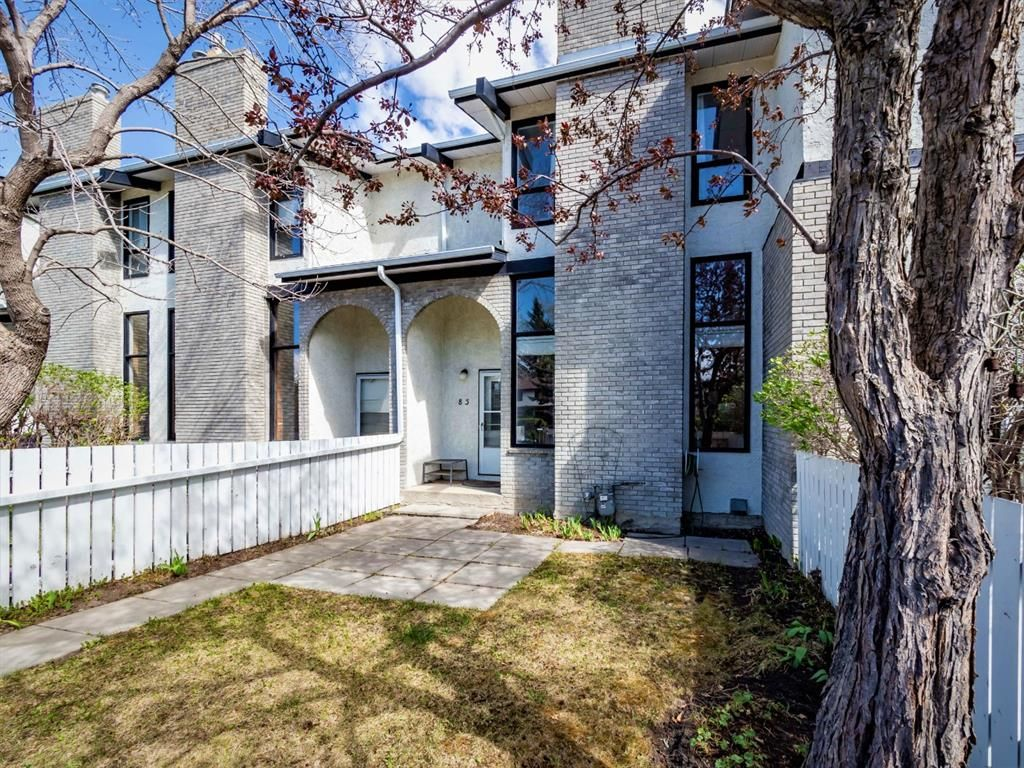 Welcome to 5400 Dalhousie and this sunny two bedroom townhome!