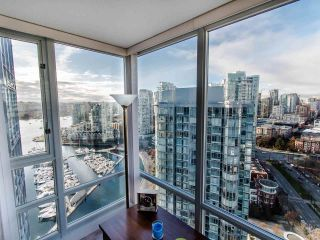 """Photo 12: 2901 1033 MARINASIDE Crescent in Vancouver: Yaletown Condo for sale in """"Quaywest"""" (Vancouver West)  : MLS®# R2439944"""