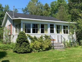 Photo 1: 145 Point Forty Four Road in Little Harbour: 108-Rural Pictou County Residential for sale (Northern Region)  : MLS®# 202120241