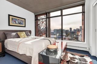 """Photo 9: 2110 128 W CORDOVA Street in Vancouver: Downtown VW Condo for sale in """"WOODWARDS W43"""" (Vancouver West)  : MLS®# R2394432"""