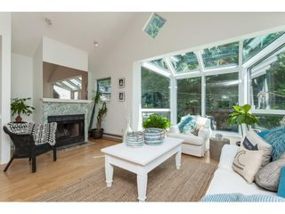 """Photo 3: 1137 ELM Street: White Rock Townhouse for sale in """"Marine Court"""" (South Surrey White Rock)  : MLS®# R2401346"""