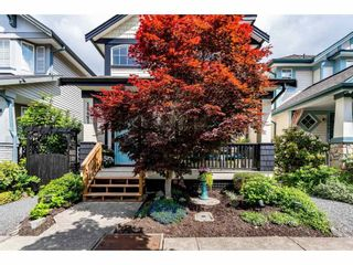 """Photo 3: 18461 67A Avenue in Surrey: Cloverdale BC House for sale in """"Heartland"""" (Cloverdale)  : MLS®# R2456521"""